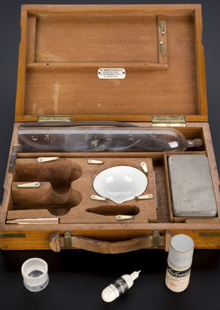 Salvarsan treatment kit