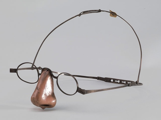 Prosthetic nose (19th cent.)
